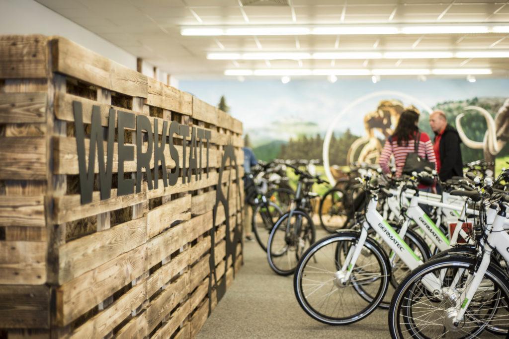 Fahrräder und E-Bikes im Werksverkauf Sachsenring Bike Manufaktur GmbH, Marken wie Steppenwolf, GRACE, VAUN, BIRIA